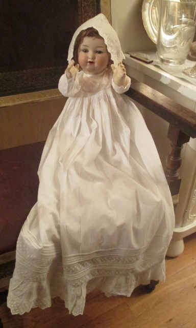 xxM962M Lovely 1880-1890 christning gown