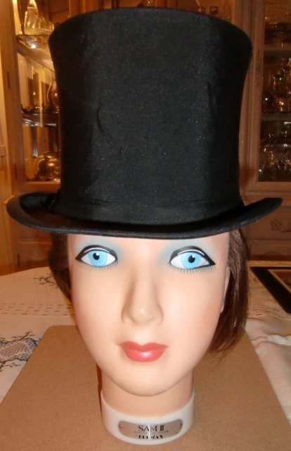 M907M Delion, Paris Colapsible Top-Hat