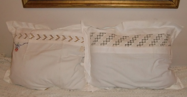 M909M Two handmade pillowcase in Hardanger embroidery created by my grandmother
