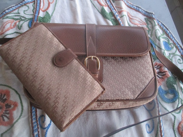 M334M Gucci bag and wallet x