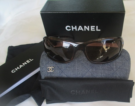 xxM1161M Chanel sunglasses with box, holder, lens cloth, instructions x