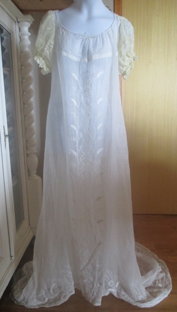 xxM986M 1790-1810 Original empire British white embroidered wedding gown Price 3000USD
