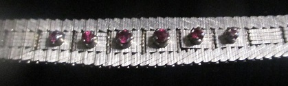 anxxM1211M 14k white gold and ruby bracelet Takst-Valuation N. kr. 20 000