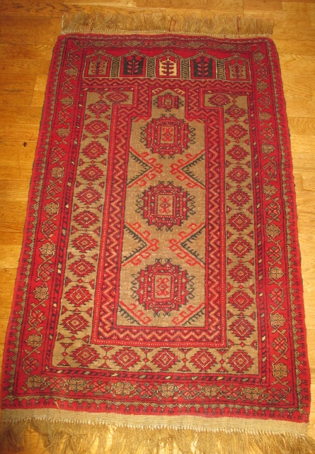 M931M Nr 16 Hand knotted Persian Carpet