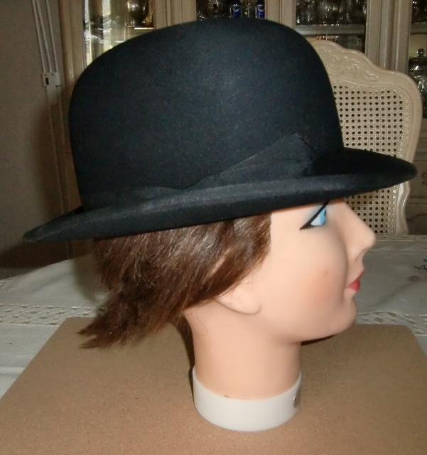 fc23b5c7946ee M908M Magnificent bowler hat made by Lincoln Bennett   Co. London