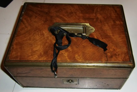M417M 1850s Mahogany Brass Trim Travel Vanity Case