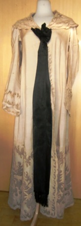 xxM448M 1890s French couture Dressing Gown