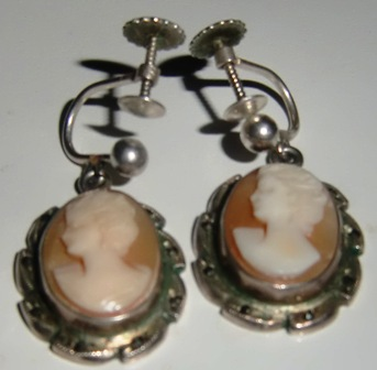 M527M Early 1900 Cameo ear-rings 830 Silver