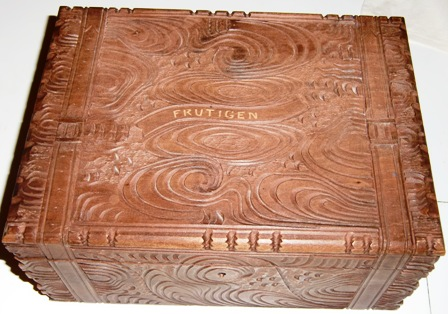 M351M HAND CARVED WOODEN JEWELLERY BOX c1900