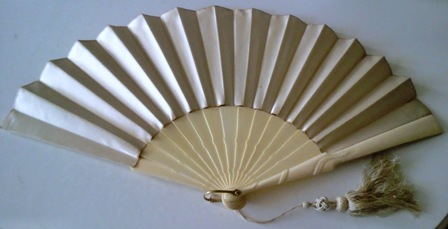 M45M Silk and Ivory Fan