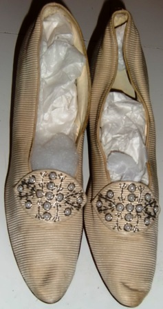 M13M 1890s beaded shoes