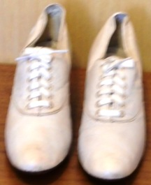 M169M White Leader Oxford shoes