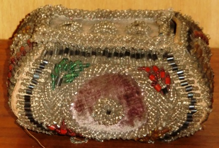 M293M VICTORIAN OR PRIOR BEADED & VELVET PURSE HANDSEWN x