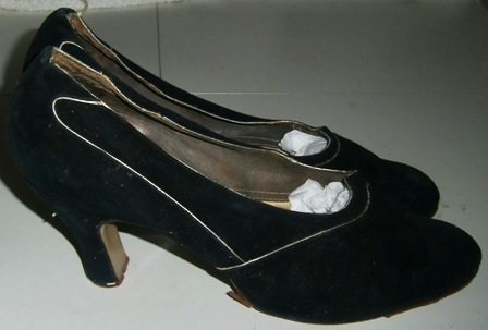 xxM25M Wedding shoes from 1932