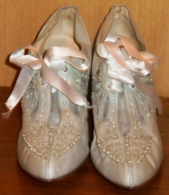 xxM165M 1910-20 Wondeful Wedding shoes