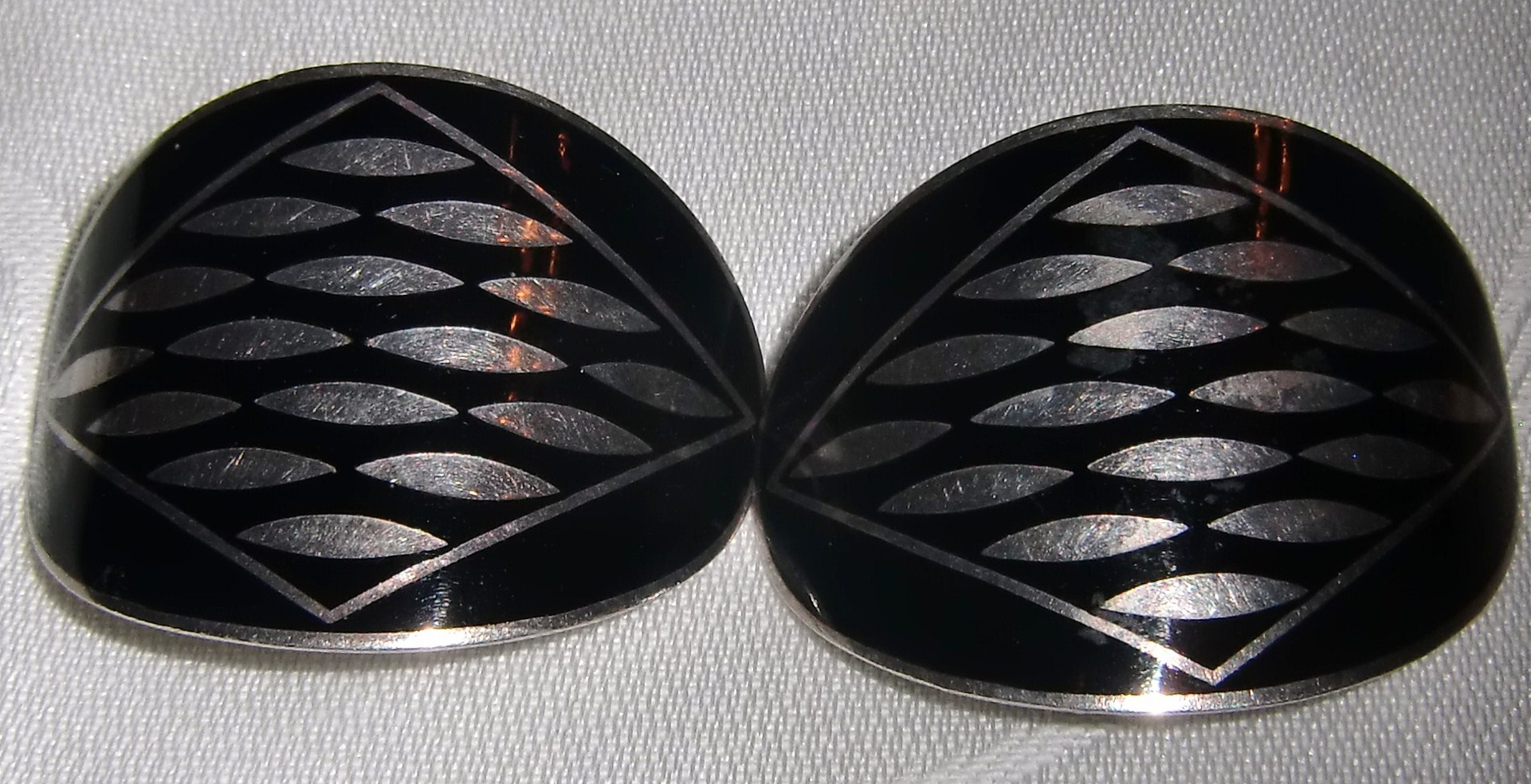 M577M 1920s Shoe Clips Made in France Silver & Black Enamel Art Deco